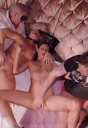 Смотреть короткие порно ролики