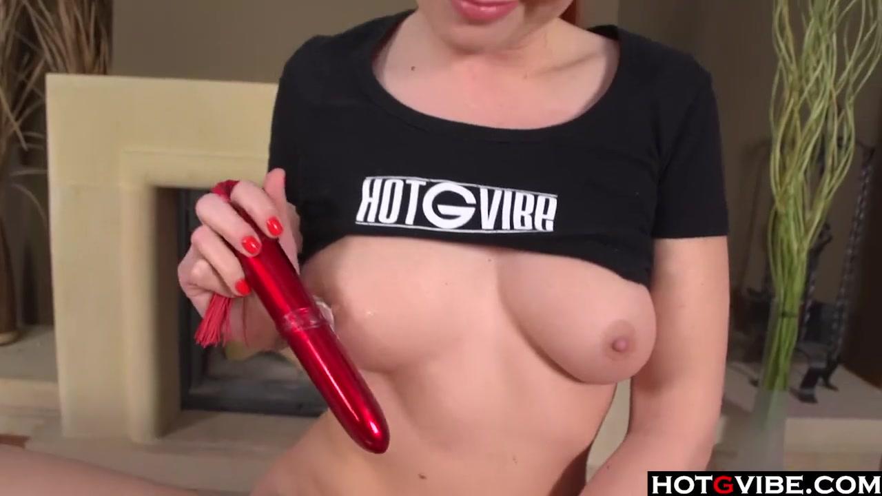 Зрелая играет с самотыком порно видео