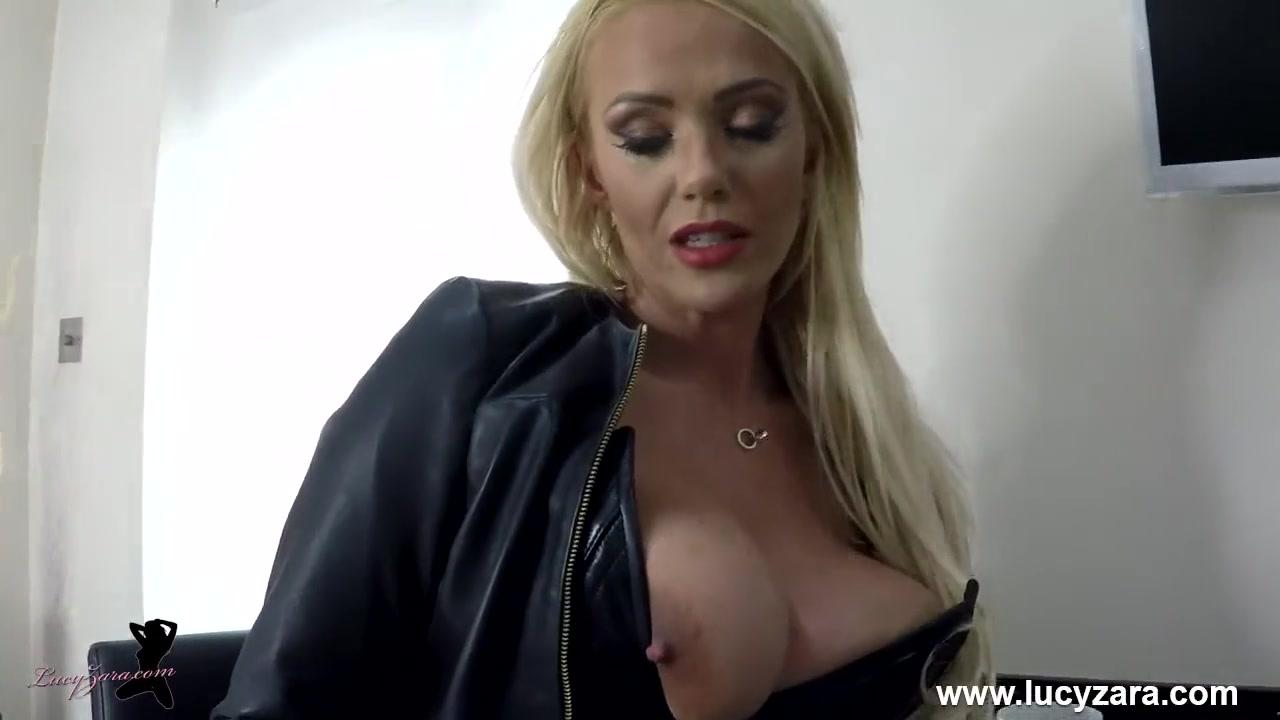 Порно видео стрептиз с мастурбацией и бдсм