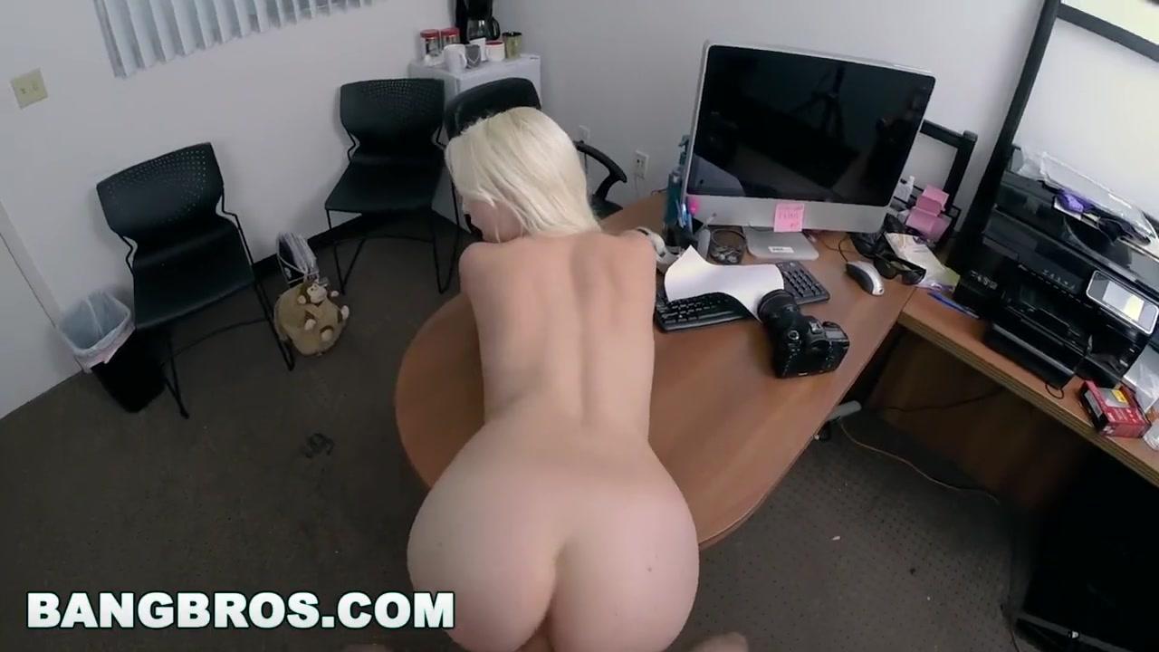 Порно онлайн в обтягивающих брюках с блондинкой