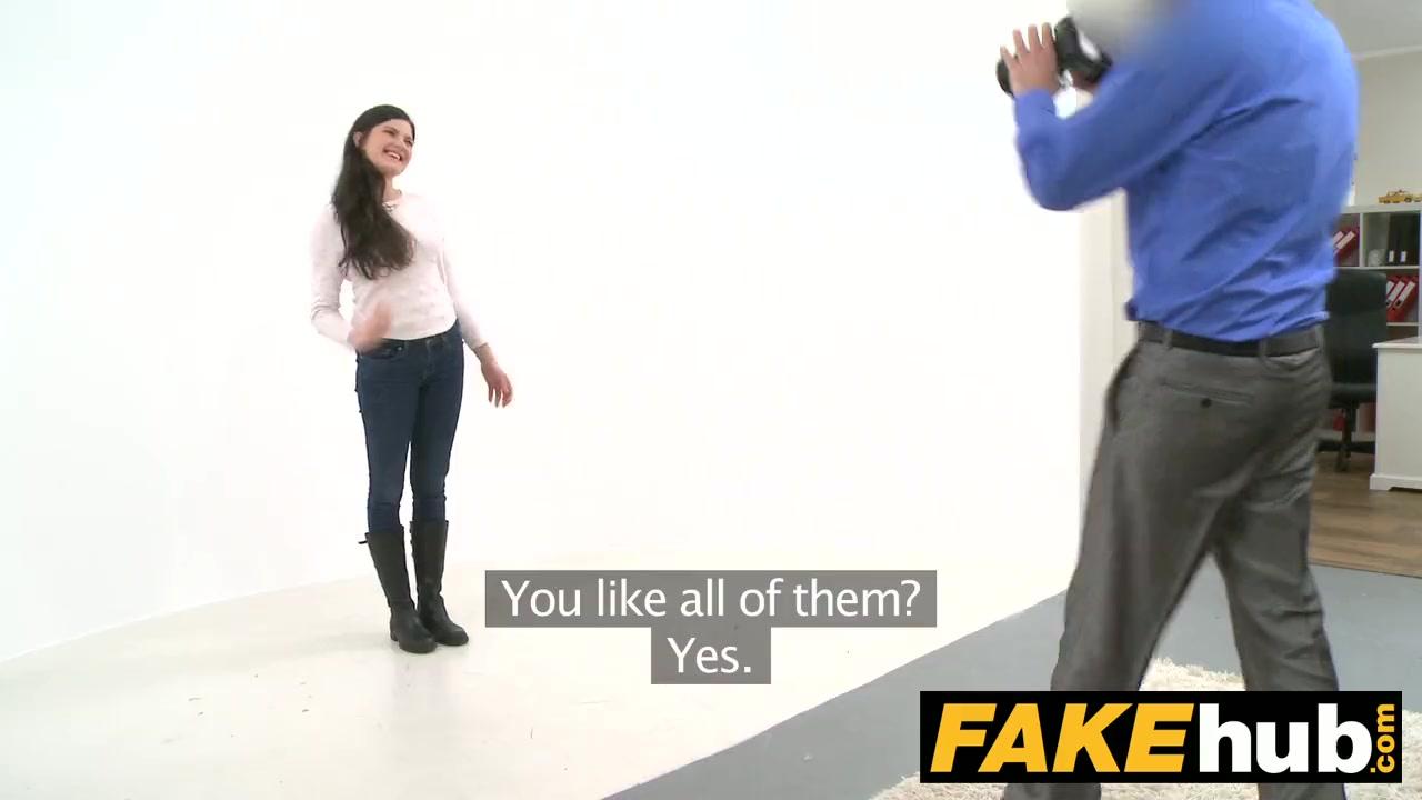 foto-s-kameri-iz-zhopi-eroticheskie-videoklipi-devushki-razdvigayut-nogi