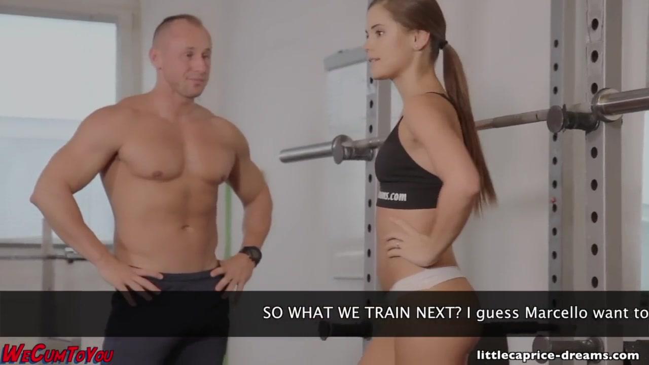 Тренерша по фитнесу сосет хуй