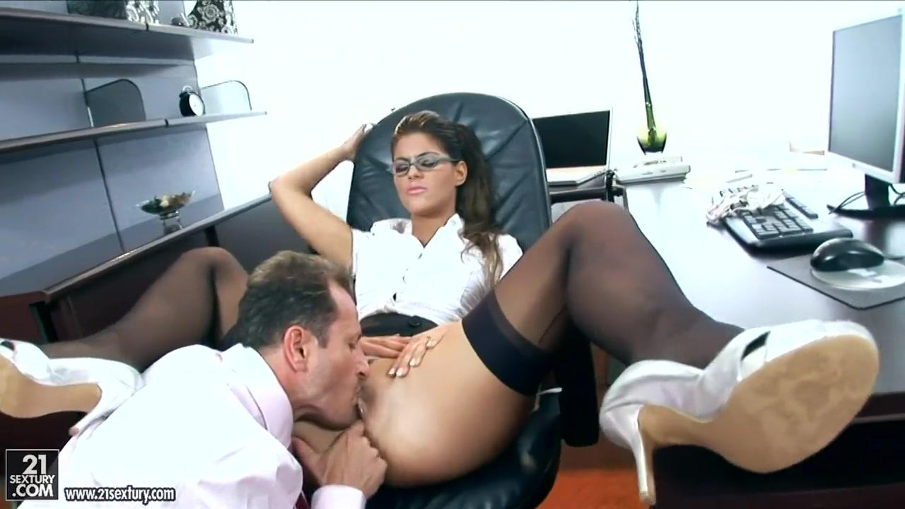 Секс с боссом видео онлайн