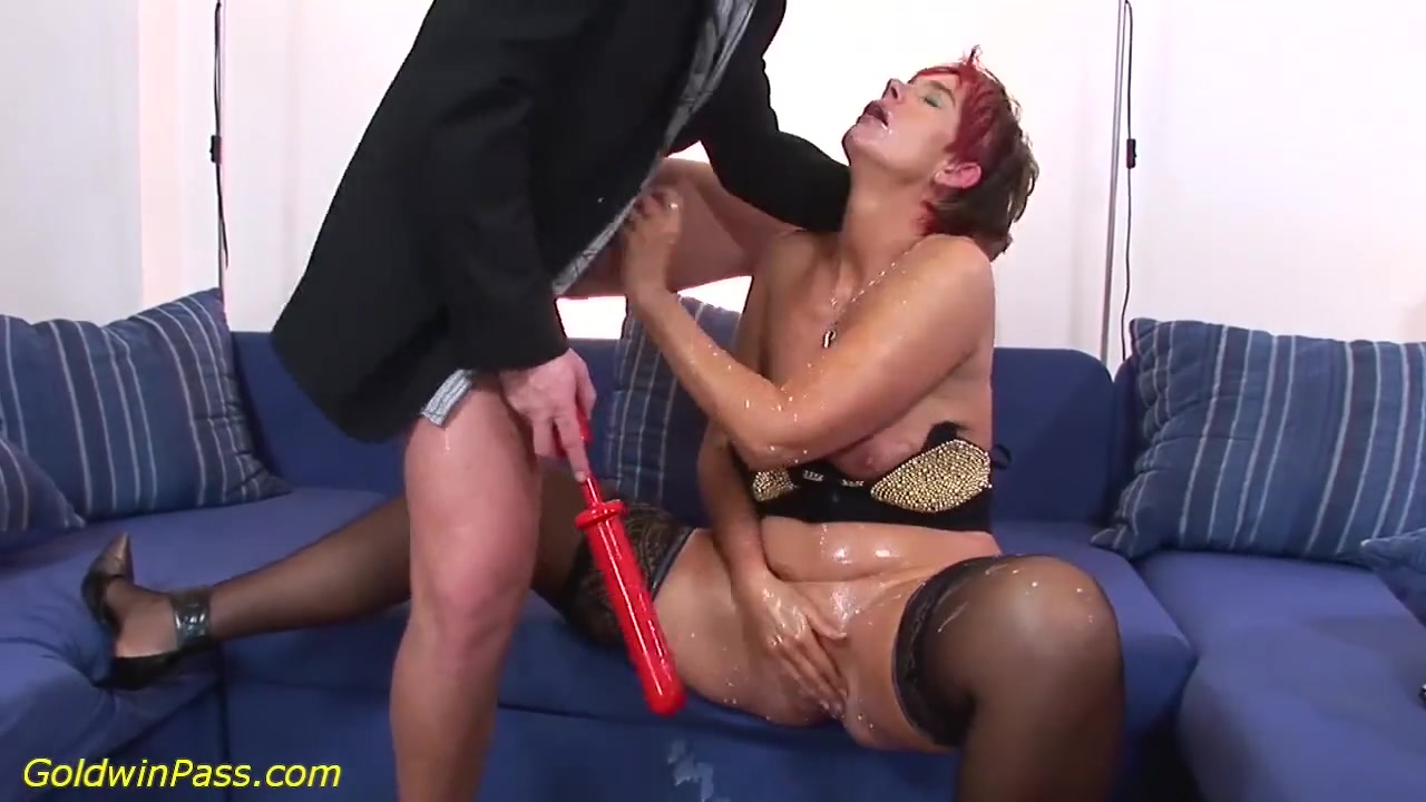 Порно видео бабка старая