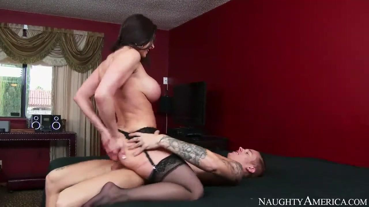 Хочу заняться сексом с мамой