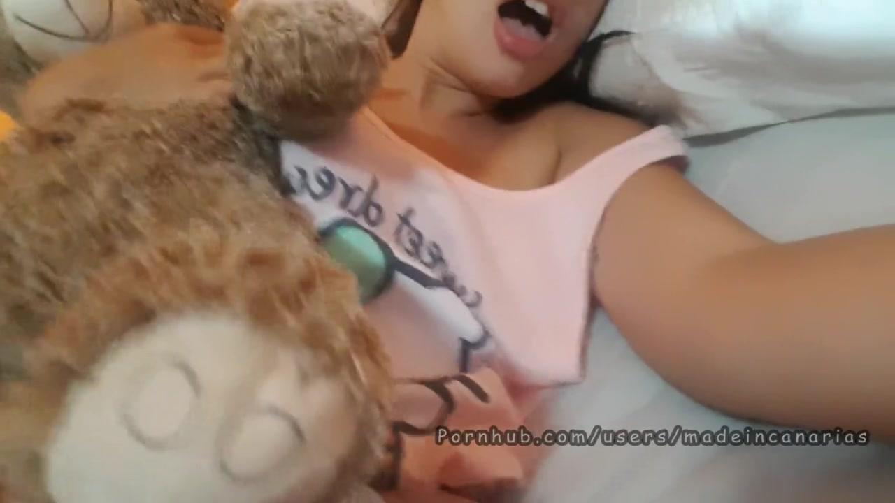 Секс с младшей спящей сестрой