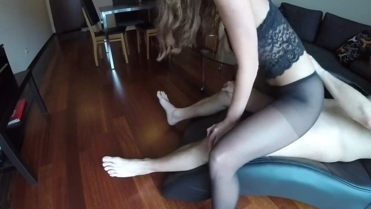Секс дома через колготки