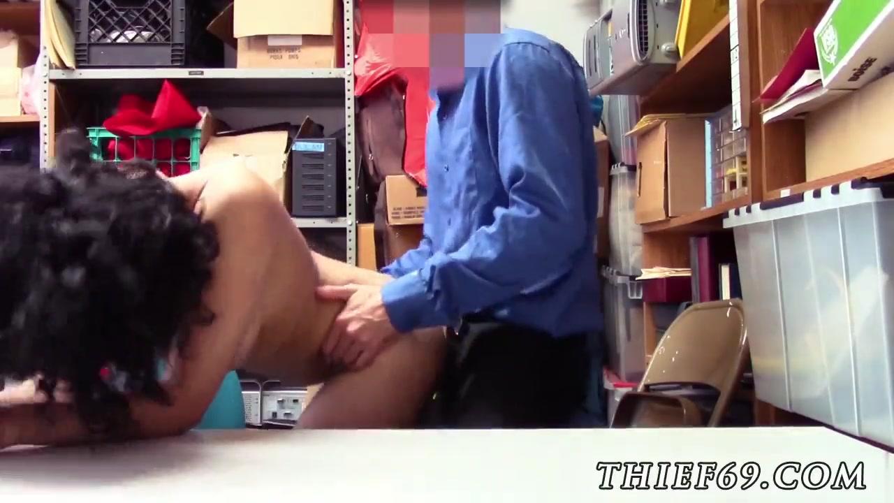 Порно скрытая камера с охранником