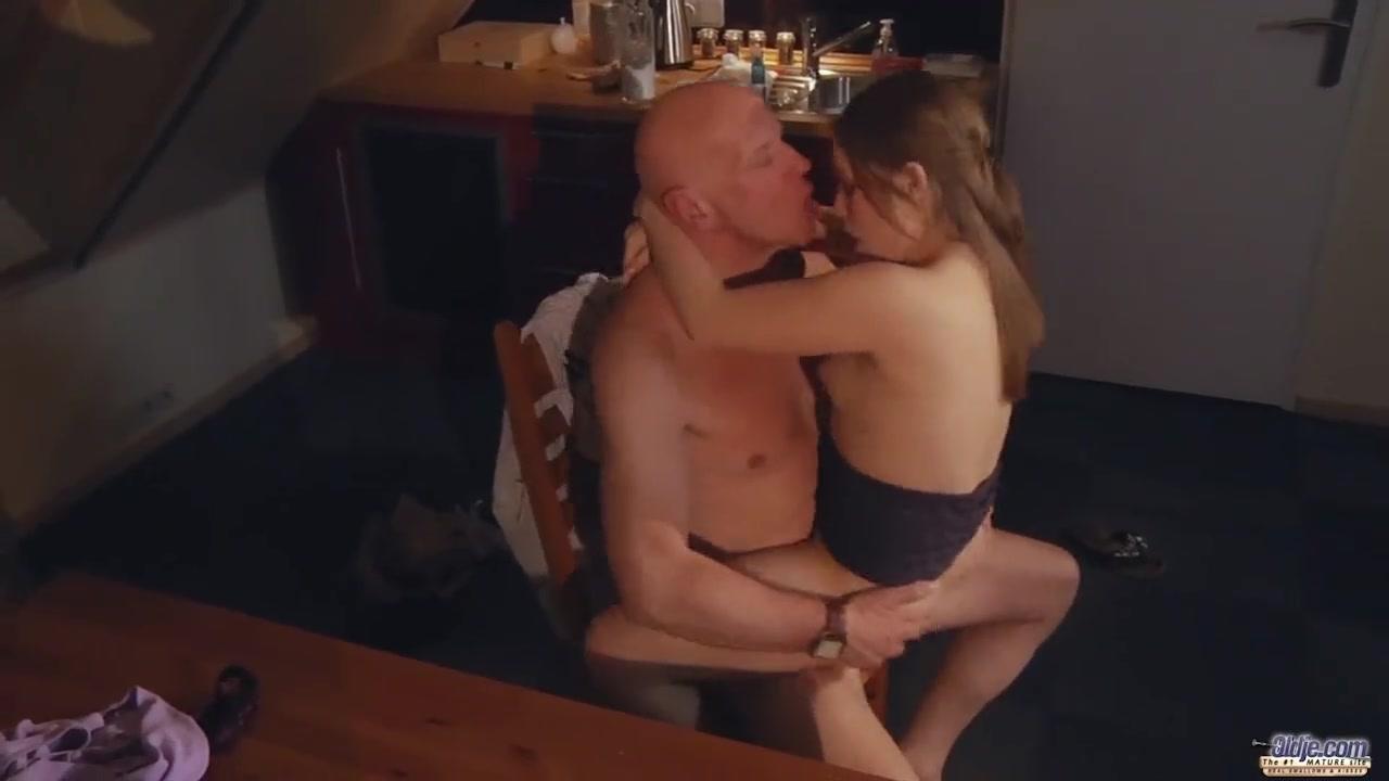 Секс Отца С Дочкой Изнасиловал