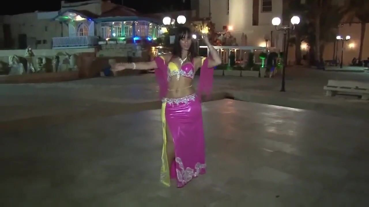 в розовом платье смотреть порно фото