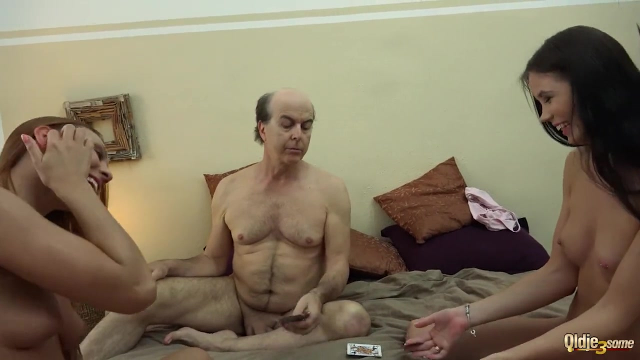 Первый анальны секс с отцом
