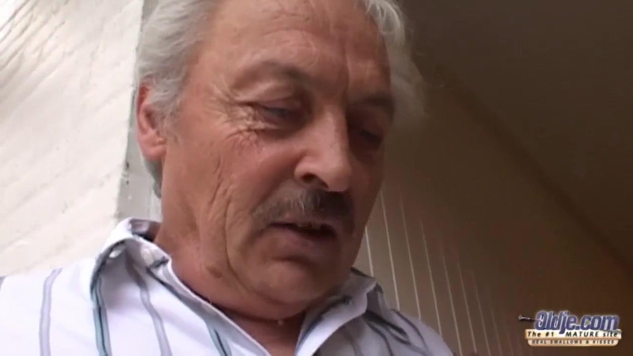 Дед трахает соску