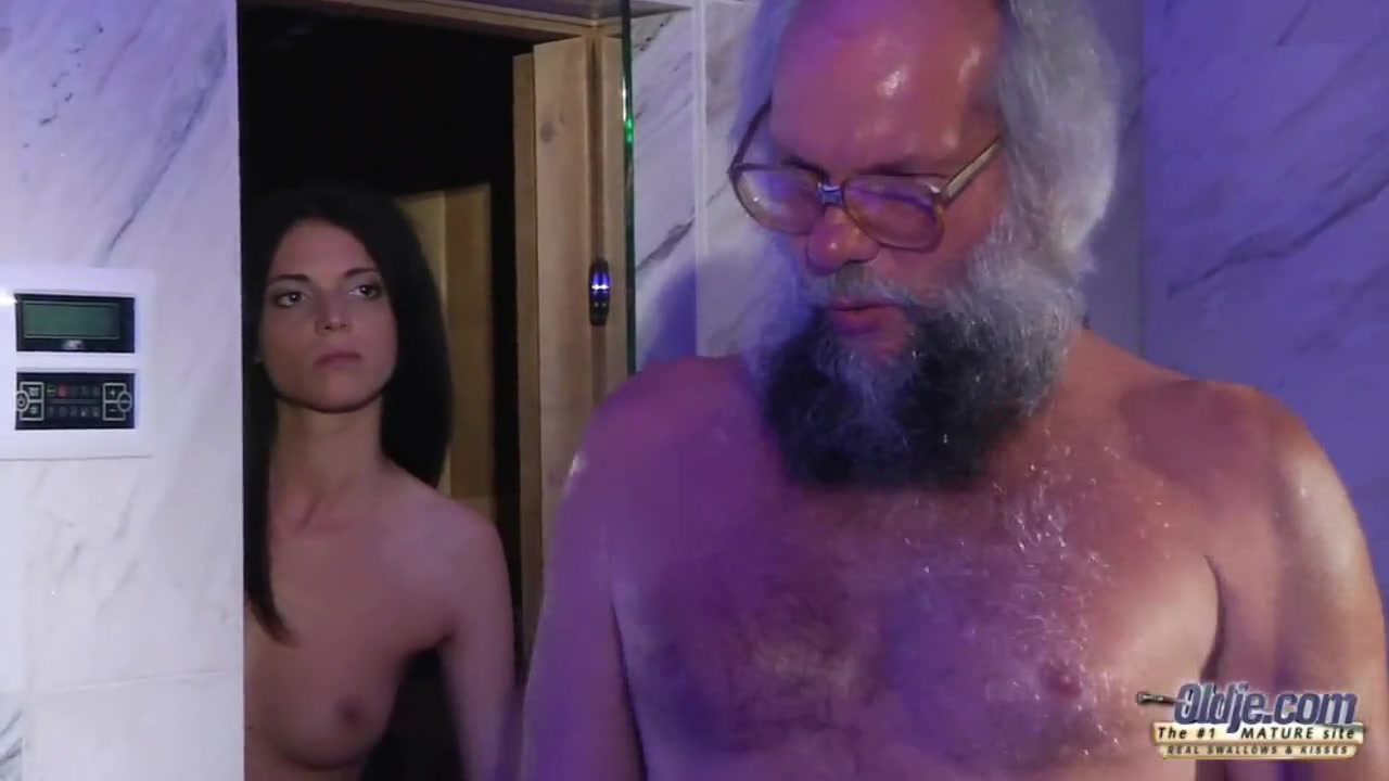 Смотреть порно видео подрачила старику