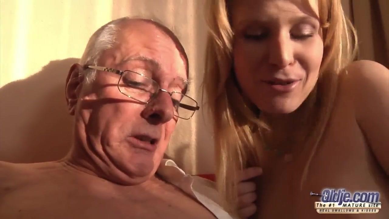 Секс видео отсосла