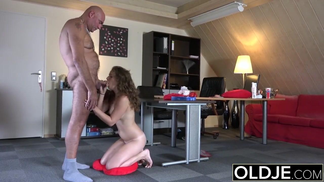 Порно жесткое соски