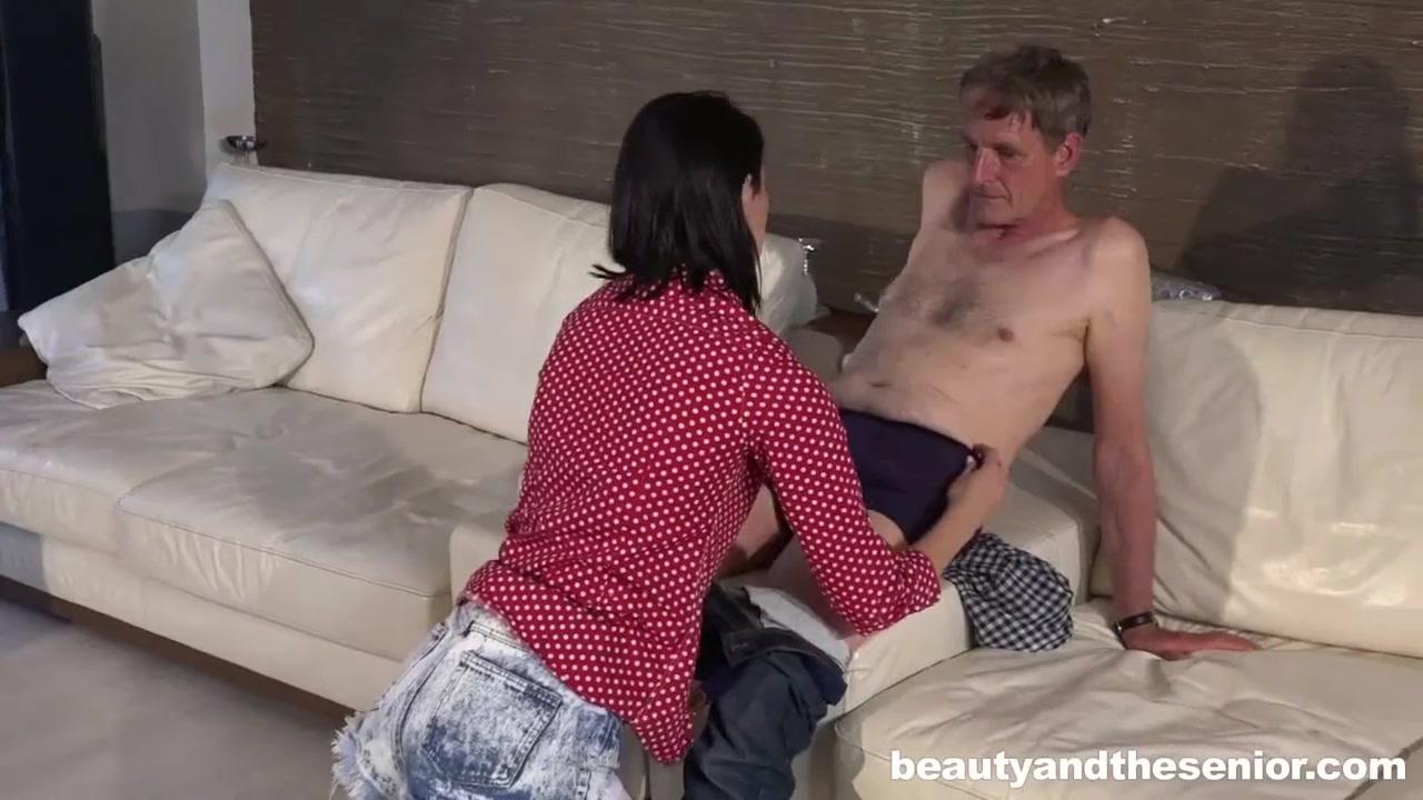 Смотреть секс старого шефа и молодой подчиненной