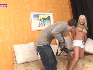 Дамочка подставила большую жопу для анального секса от первого лица