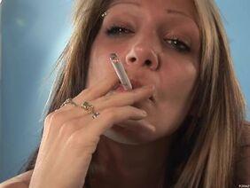 Густая Сперма Парня Находится На Лице Неудовлетворённой Блондинки - Смотреть Порно Онлайн