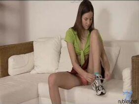 Оливия Аустин увидела дрочера за онанизмом и набрасывается на его ствол