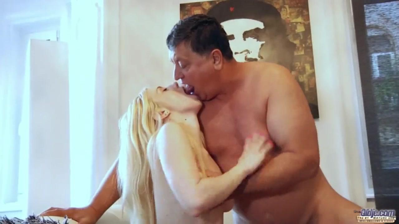 Смотреть порно изнасиловал старик порно фото красивых старушек