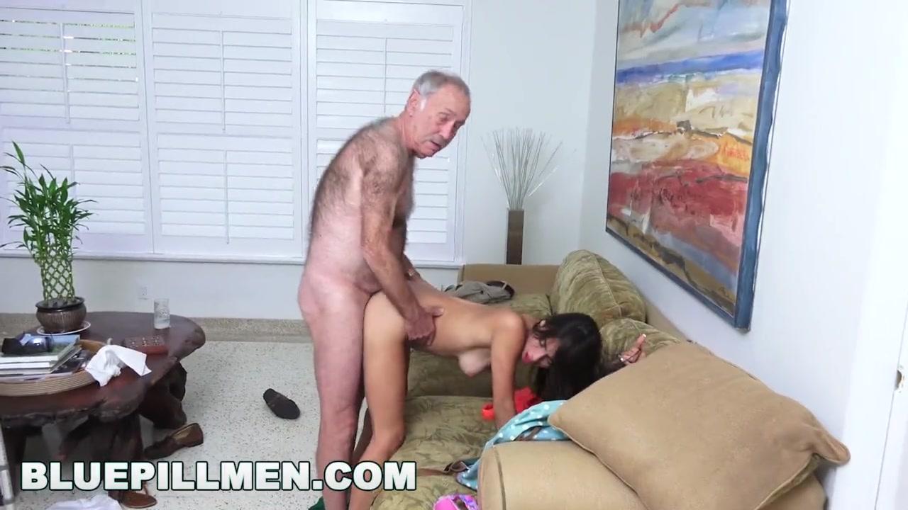 Дед трахает внучку стоя в анал