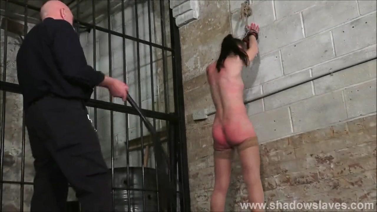 Смотреть порно наказал в попу
