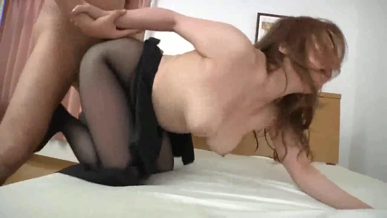Сисястая показала пизду видео