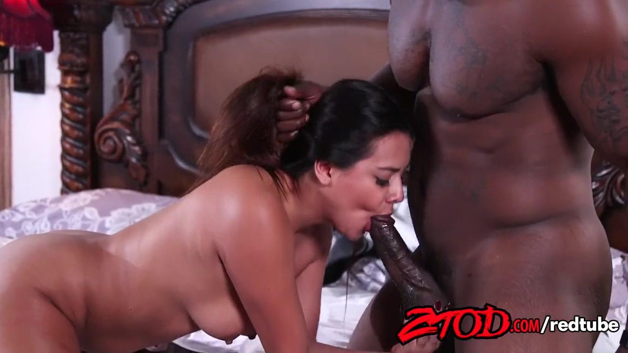 Секс на пуфике видео