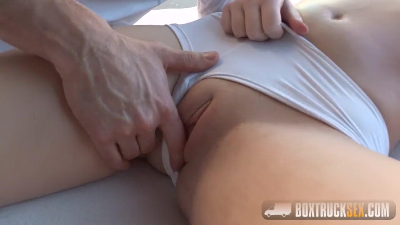 Познакомился с красоткой порно