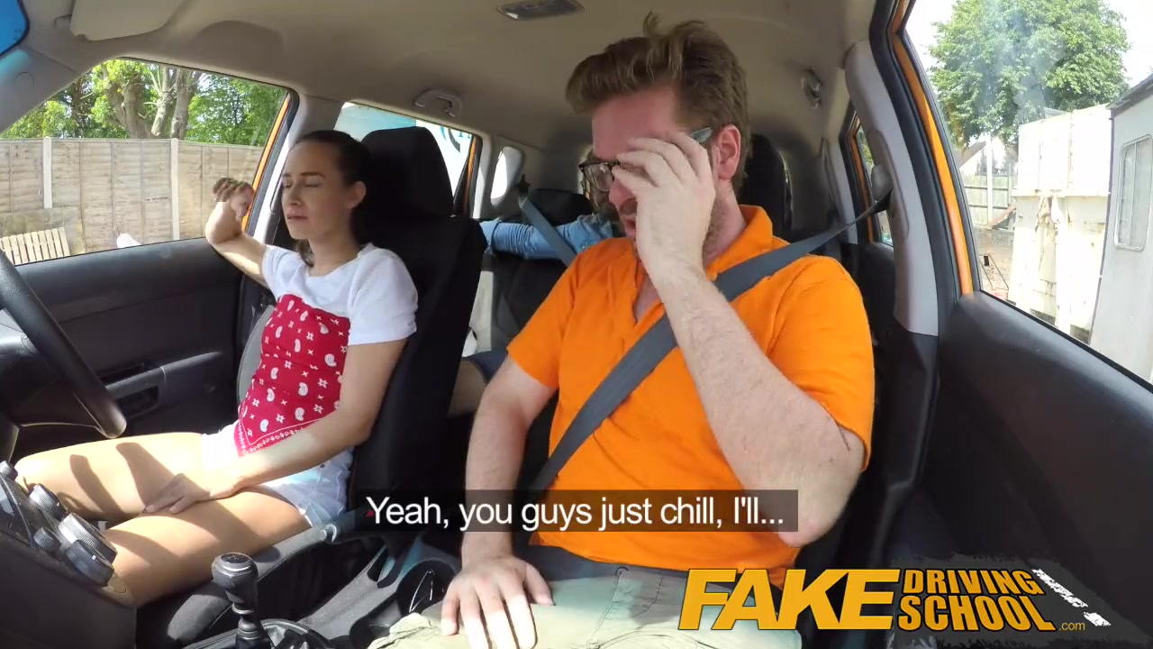 Порно с русскими инструкторами в авто видео