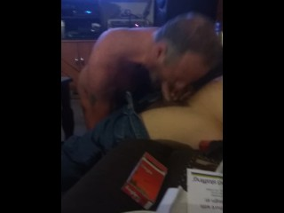 Турист Снимает Проститутку С Азии, И Устраивает С Ней Жаркий Секс На Кровати Смотреть