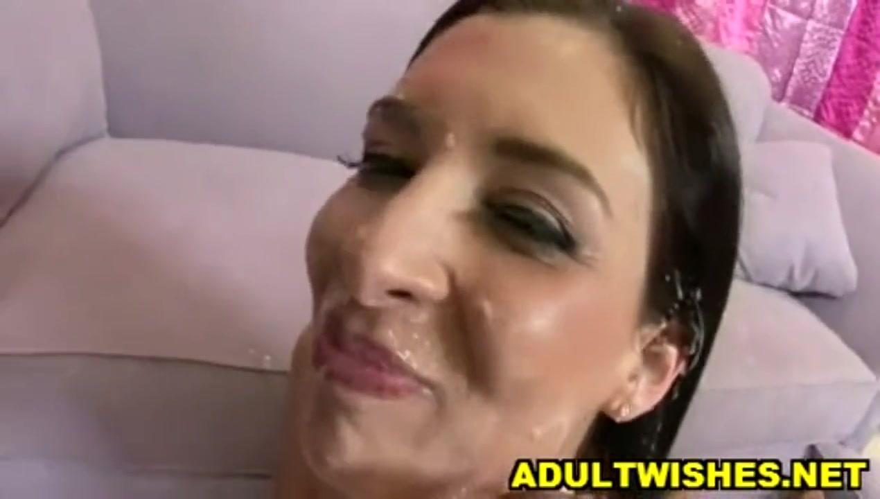 grud-zrelie-zhenshina-pet-spermu-iz-stakana-bolshie-siskami