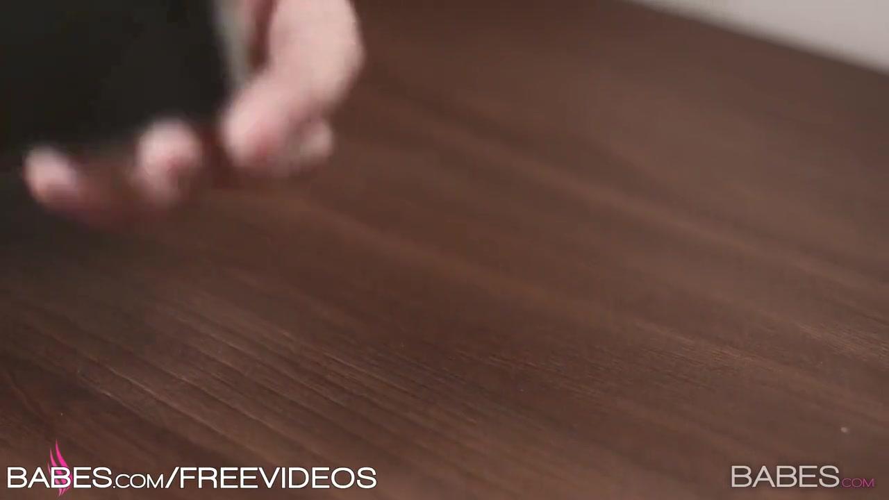 Видео смотреть порно целуют женскую грудь массаж