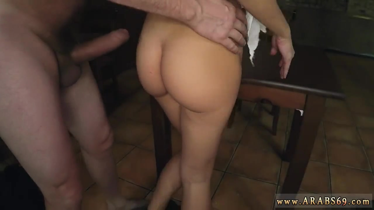порно огромный хуй насилует манашку фото