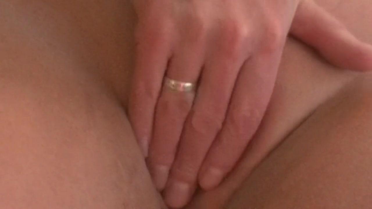 Порно с мужем подруги крупным планом