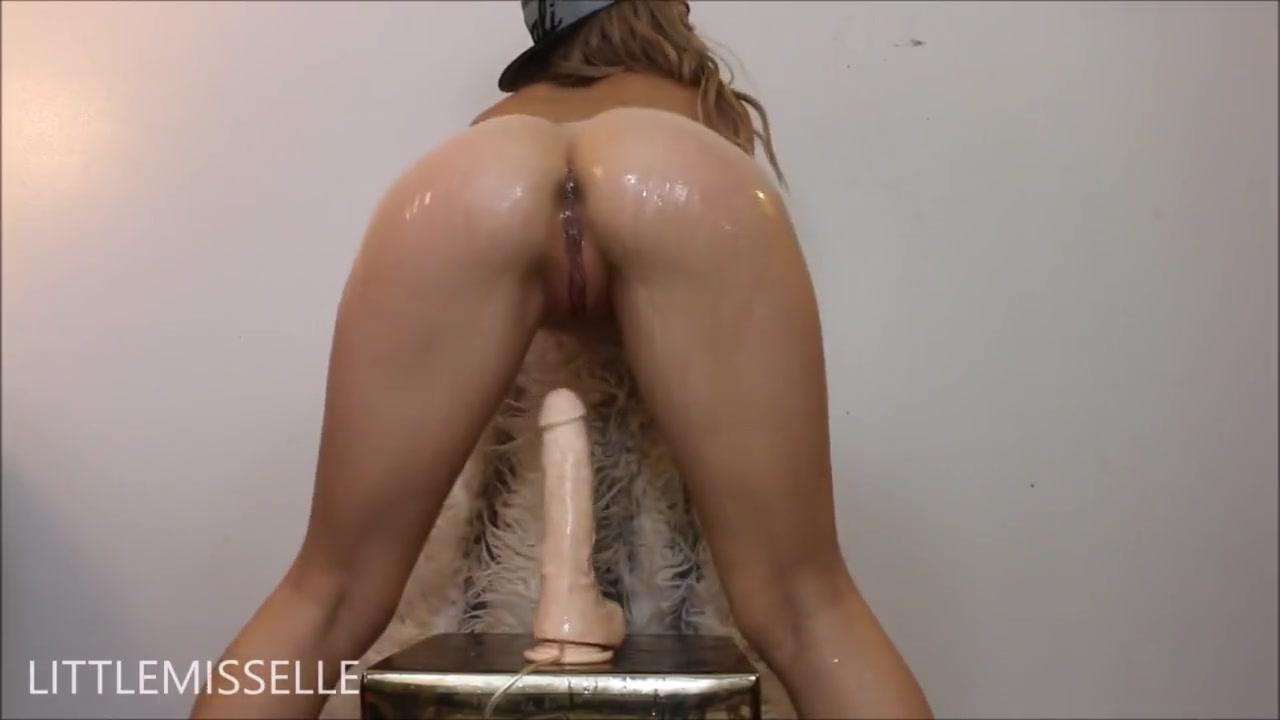 Видео киска течет от секса