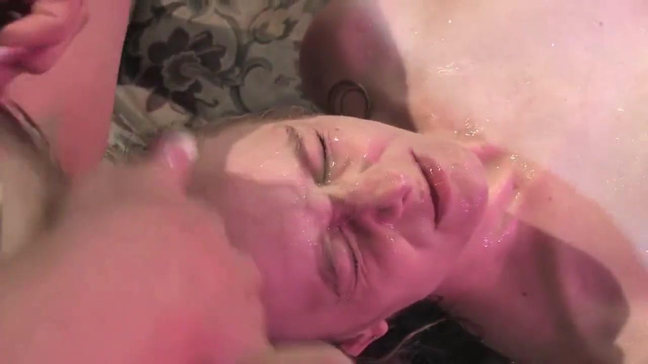 Порно золотой дождь на лицо, заказать девушке голе
