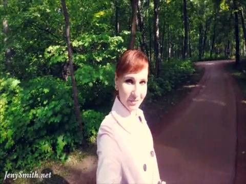 Смотреть видео русские девки показывают голое тело по улице людям — photo 14