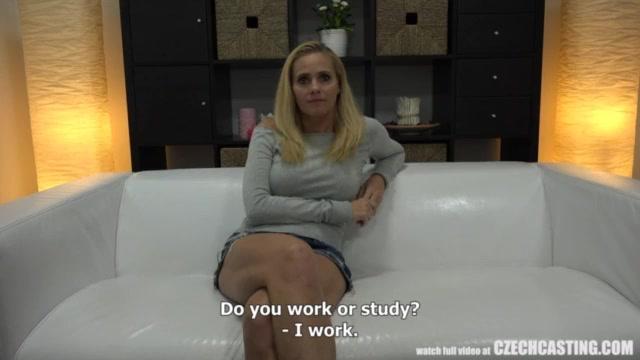 Заставила в душе порно смотреть 15