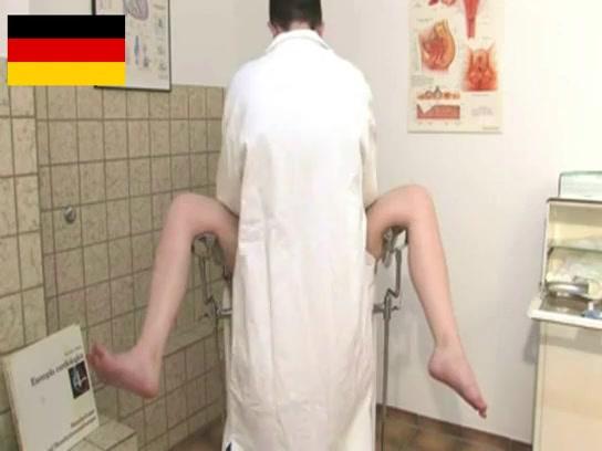 Порно с блондинкой немецкой девушкой в библиотеке